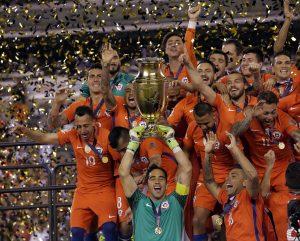 Die chilenische Nationalmannschaft bejubelt den Gewinn der Copa America 2016.