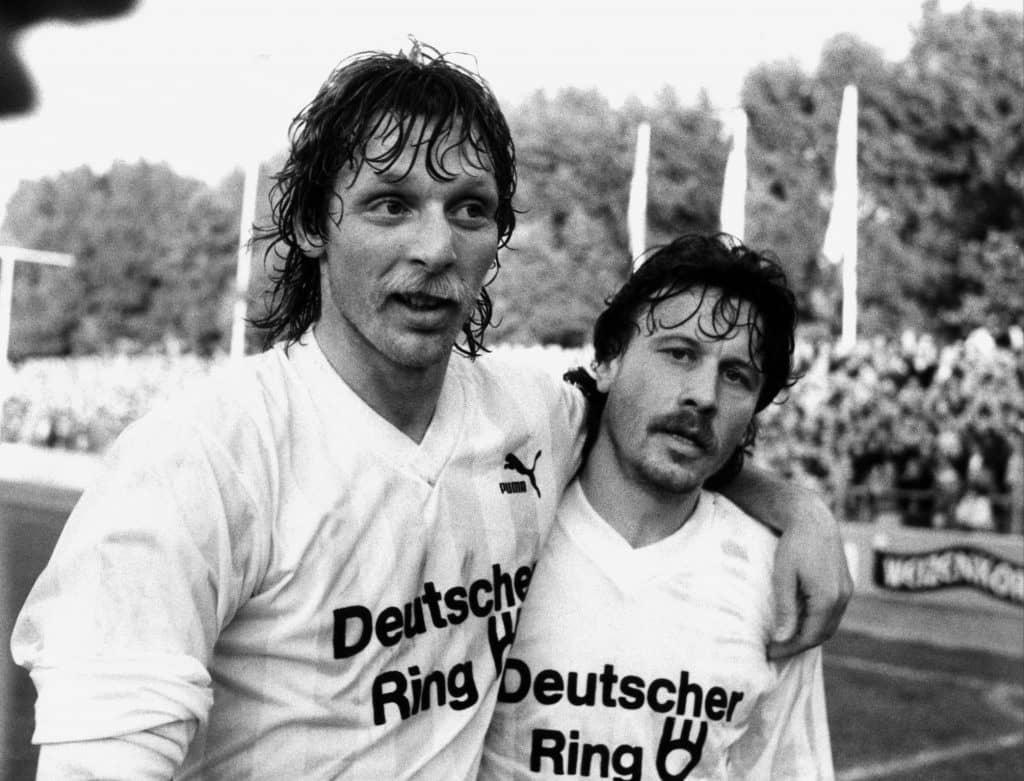 Schlussjubel v.l. Ruediger Wenzel, Hansi Bargfrede Fussball FC St. Pauli - Darmstadt 98 3:2