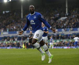 Breit, groß, schnell, torgefährlich: Romelu Lukaku ist ein kompletter Stürmer. Der belgische Nationalspieler wechselt vom FC Everton zu Manchester United.