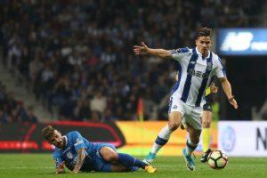 Andre Silva wechselt für 38 Millionen Euro vom FC Porto zum AC Mailand.