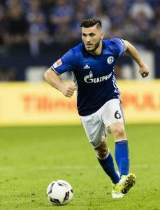 Sead Kolasinac wechselt ablösefrei vom FC Schalke 04 zum FC Arsenal nach London.
