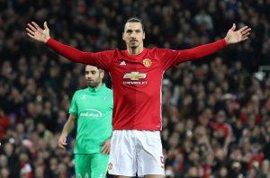 Manchester United gewann mit Zlatan Ibrahimovic die Europa League und würde ihn gerne halten, doch der Exzentriker lässt sich aktuell alle Optionen offen.
