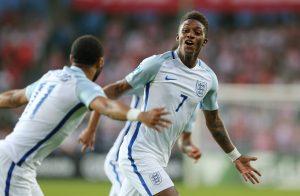Demarai Gray jubelt nach seinem Treffen für England bei der U21-EM 2017.